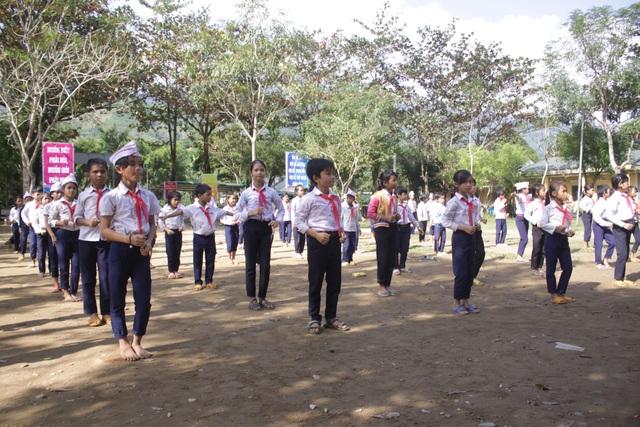 Học sinh vùng cao hăng say nhảy Cha cha cha - 3