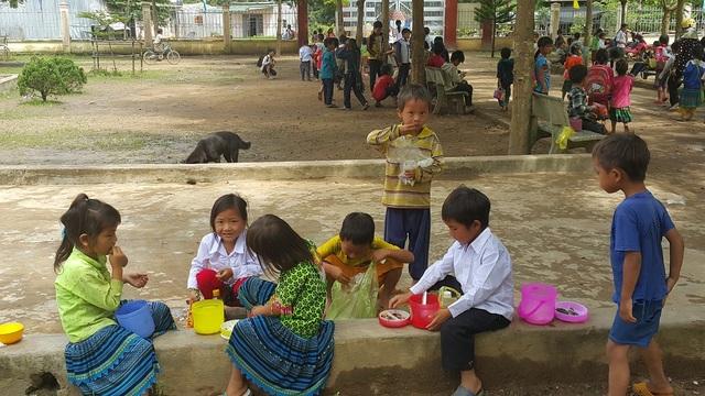 Không y tế học đường, việc chăm sóc sức khỏe cho học sinh bị bỏ ngỏ