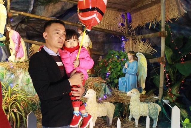 Người dân Đà thành náo nức đón Noel sớm - 3