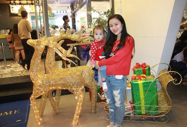 Người dân Đà thành náo nức đón Noel sớm - 5