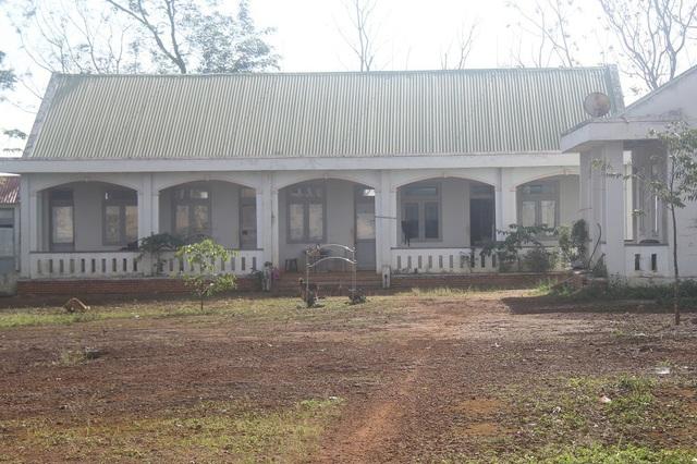 Khu nhà bán trú cho học sinh được chuyển thành nhà công vụ và phòng cho bảo vệ