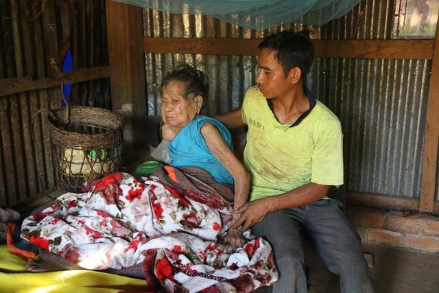 Anh Điểu Hoang chịu trách nhiệm chăm sóc cụ Thị Ang