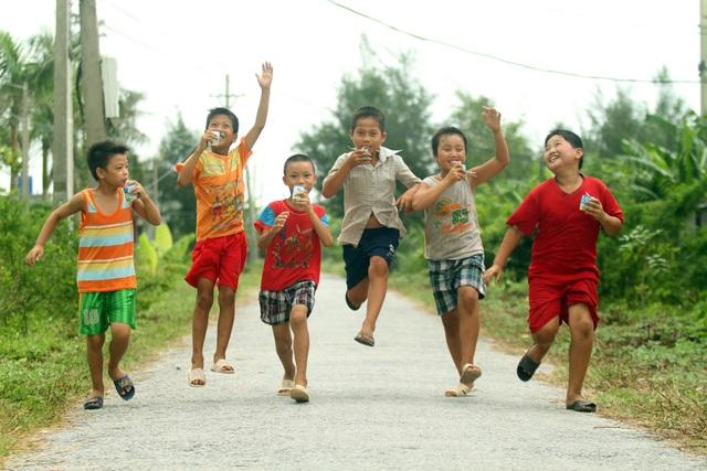 Hình thành thói quen vận động nhằm giảm thiểu nguy cơ mắc bệnh KLN khi trẻ trưởng thành.