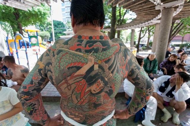 Nhiều bể tắm công cộng, khu tắm suối nước nóng ở Nhật cấm khách có hình xăm