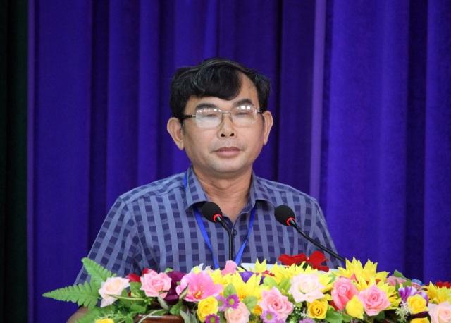 Ông Nguyễn Tấn Chân, Chủ tịch UBND huyện Tây Hòa nói về việc cắt giảm 130 biên chế và 51 giáo viên hợp đồng.