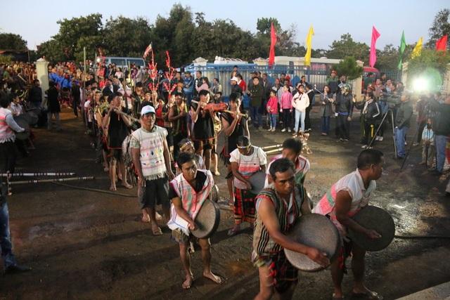 Lễ hội mở đầu bằng Lễ hội đường phố