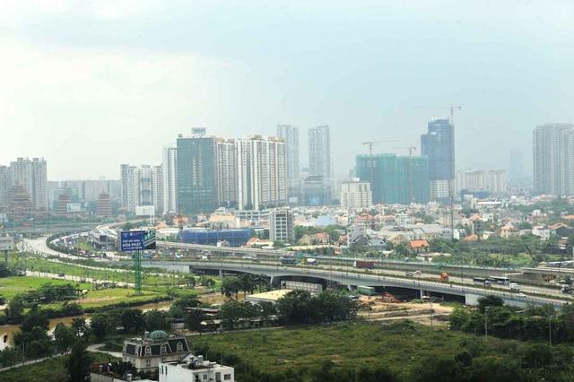 Thông qua tuyến Xa lộ Hà Nội, cự ly kết nối giữa quận 9 và trung tâm thành phố đã được rút ngắn đáng kể