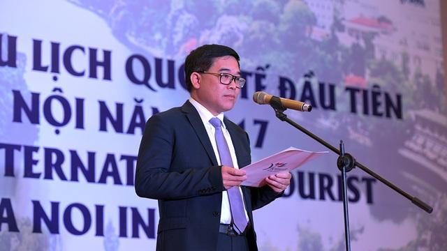 """Giám đốc Sở Du lịch Hà Nội Đỗ Đình Hồng khẳng định: """"Nhiều tạp chí du lịch hàng đầu đã bình chọn Hà Nội là một trong 10 điểm du lịch hấp dẫn nhất châu Á và thế giới."""