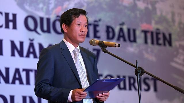Ông Đặng Anh Tuấn - Giám đốc chi nhánh miền Bắc - Tổng công ty Hàng không Việt Nam phát biểu.