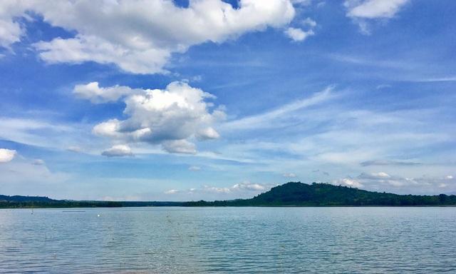 Nông dân vui mừng, du khách thích thú khi hồ Ea Kao đẫy nước - 2