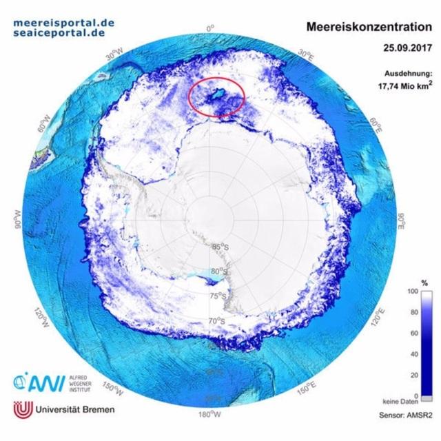 Hố băng khổng lồ bí ẩn xuất hiện ở Nam Cực - 2