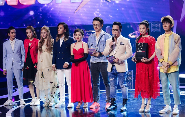 Đêm liveshow 3 các thí sinh trình diễn các ca khúc thuộc chủ đề Top hits là những ca khúc đang được giới trẻ yêu thích nhất hiện nay.