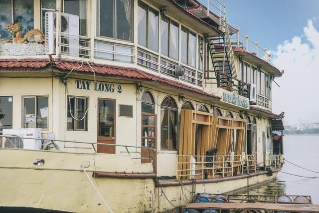 Tận mắt những du thuyền bạc tỷ hoang tàn ven hồ Tây - 10