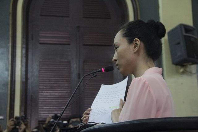 Bị cáo Phương Nga khẳng đình mình khai theo lời bà Nguyễn Mai Phương soạn sẵn.