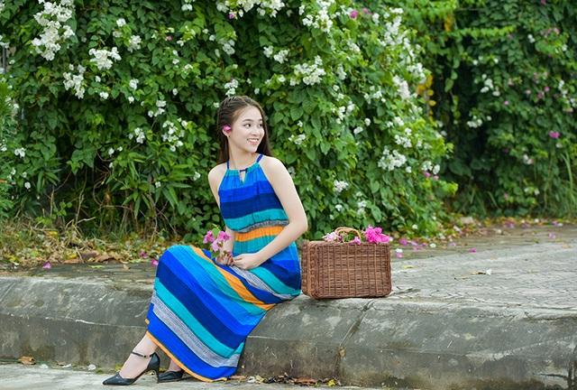 Giàn hoa giấy đang nở rộ này nằm trên con đường Lê Trọng Tấn (Hà Đông, Hà Nội).