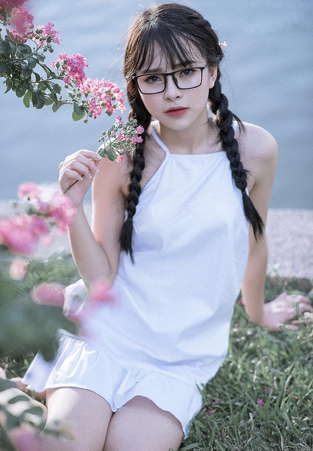Ngoài là người mẫu ảnh, Thảo Trang còn có sở thích ca hát và nhảy.