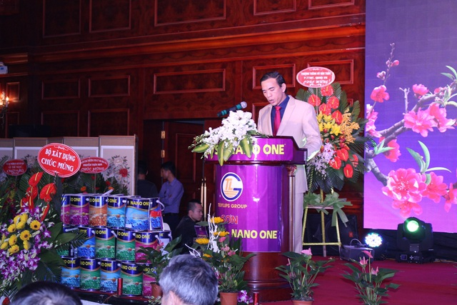 Trải qua 12 năm xây dựng và không ngừng phát triển, công ty cổ phần sản xuất TLG Việt Nam đã tạo được một chỗ đứng vững chắc trong ngành sản xuất sơn xây dựng tại thị trường Việt Nam thông qua hai thương hiệu chính là sơn Tuylips và sơn Nano One, với mẫu mã đa dạng và độ bền cao.