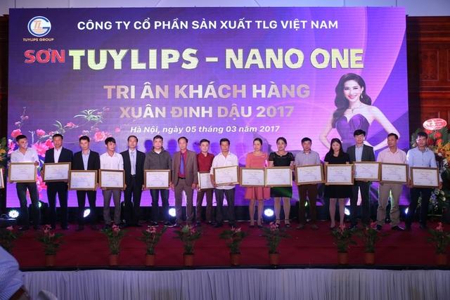 Ông Nguyễn Thành Thạo, Chủ tịch Hội đồng quản trị cho biết, trong năm 2017, với khát vọng không ngừng vươn lên, tập thể TLG Việt Nam sẽ mở rộng và phát triển quy mô, sản phẩm, mang lại những sản phẩm sơn tốt nhất cho người tiêu dùng