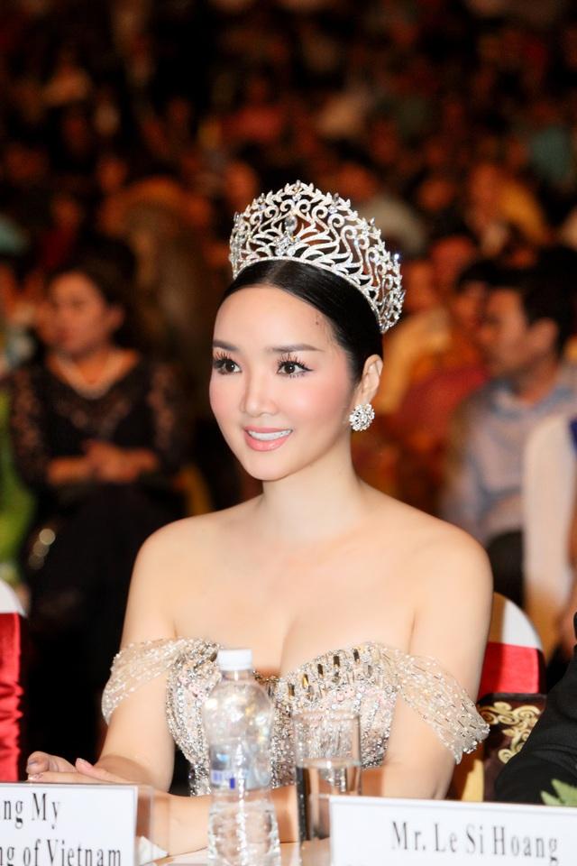 Hoa hậu Giáng My cho rằng: Tuy Huyền My có sự chuẩn bị rất kỹ càng. Nhưng thực tế, tôi nhận ra là bạn ấy có phong độ thi đấu không ổn định.