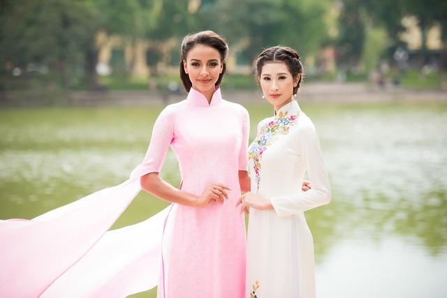 Cô dạo Hồ Gươm cùng người đẹp Hà Nội Phạm Anh Thư - Top 5 Hoa khôi Áo dài.