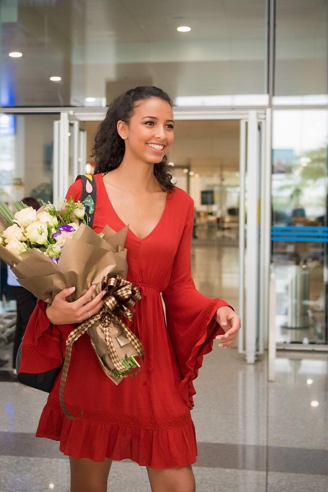Hoa hậu Pháp Flora chính là khách mời đặc biệt trong show diễn của Hoàng Hải tại Hà Nội.
