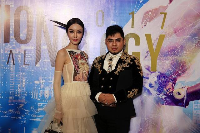 Hoa hậu quốc tế Piyada Inthavong và nhà thiết kế Lê Long Dũng