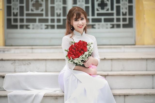 Hoa khôi trường Dược đẹp tinh khôi ngày chia tay mái trường - 10