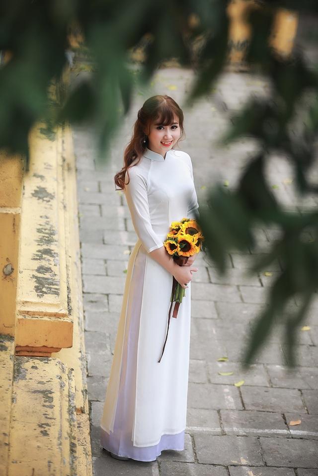 Hoa khôi trường Dược đẹp tinh khôi ngày chia tay mái trường - 11