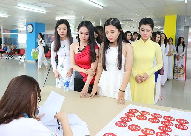 Nhiều gương mặt tiềm năng lộ diện tại sơ khảo Hoa khôi Sinh viên VN 2017 - 2