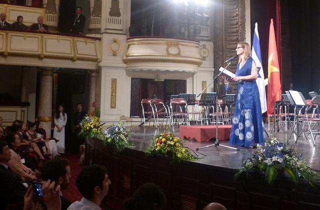 Đại sứ Israel tại Việt Nam Meirav Eilon Shahar phát biểu khai mạc chương trình.