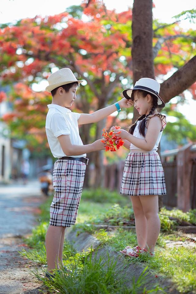 Những chuyến đi du lịch cả nhà là phần thưởng bố mẹ dành cho hai anh em vì đã chăm học và ngoan.