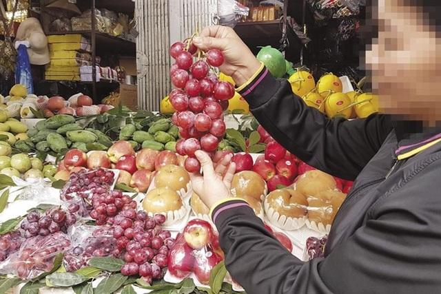 Hoa quả Trung Quốc hàng tháng trời không hỏng: Chuyên gia cảnh báo độc hại - cục vẫn bảo... an toàn! - 1