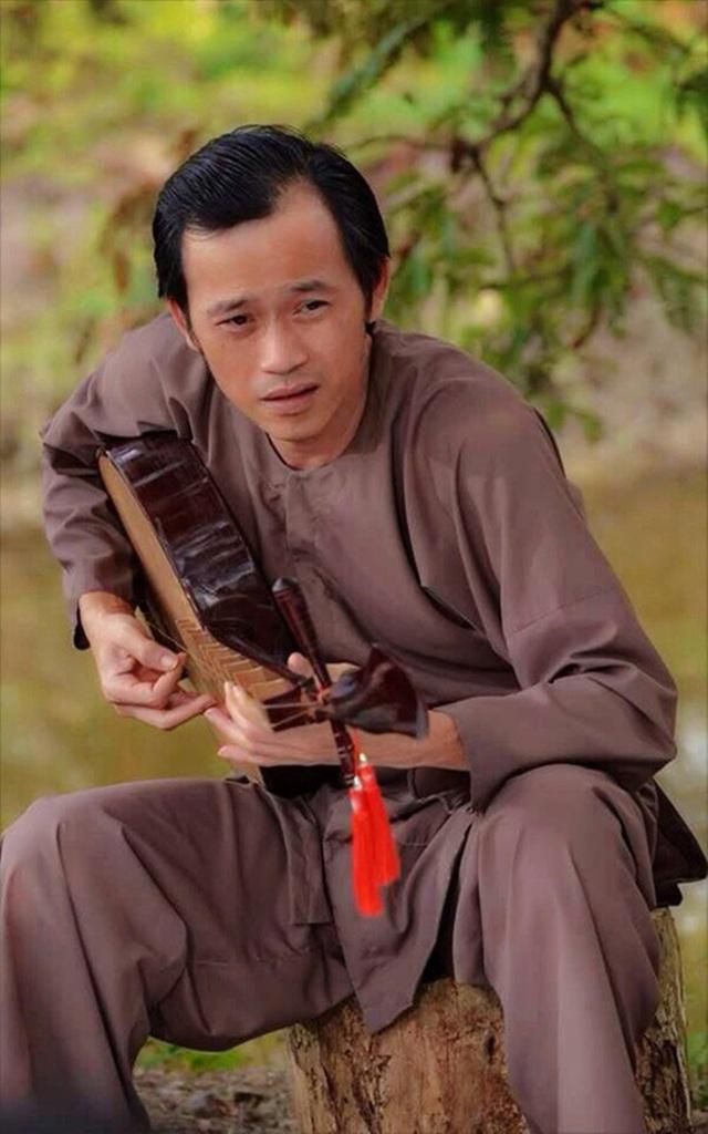 NSƯT Hoài Linh chia sẻ đang dần hạn chế những game show hài để ưu tiên dành thời gian cho những chương trình mang nhiều tính dân tộc.