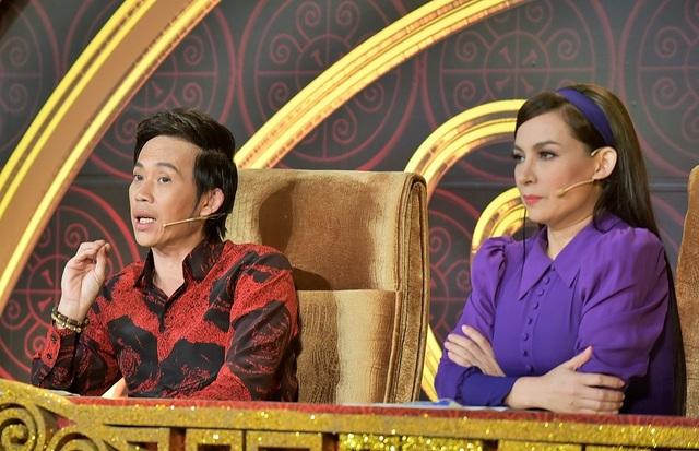 """Bị Hoài Linh """"sửa lưng"""", Phi Nhung đòi bỏ """"ghế nóng"""" xuống làm... khán giả - 1"""