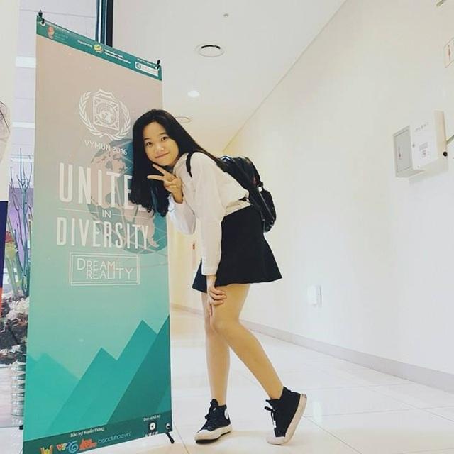 """Hoài Anh là người mang """"Model United Nations"""" về trường THPT Chuyên Lào Cai."""