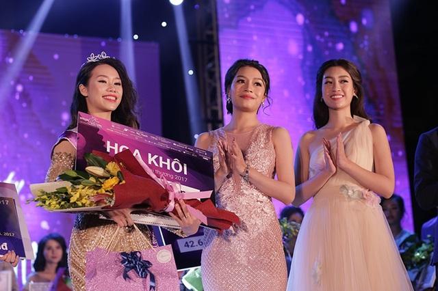 Ngân Hà khoe sắc bên Hoa hậu Việt Nam Đỗ Mỹ Linh và cựu Hoa khôi Vũ Lê Ngọc Anh