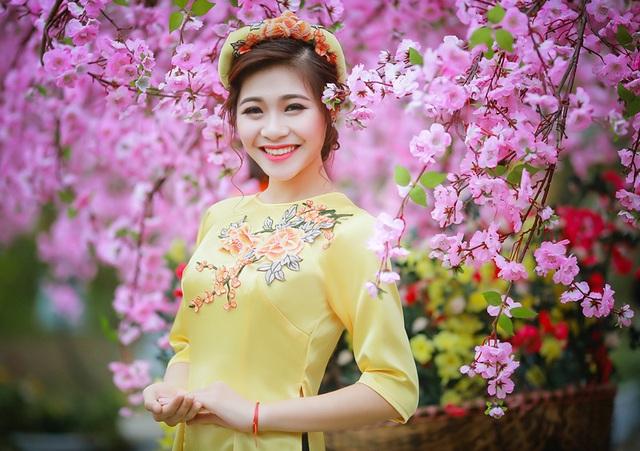 Hồ Ái Thơ - Hoa khôi sinh viên Hà Nội (Imiss Thăng Long năm 2016)