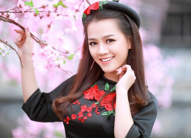 Nguyễn Thu Thảo - Hoa khôi ĐH Nội vụ (Miss HUHA 2016)