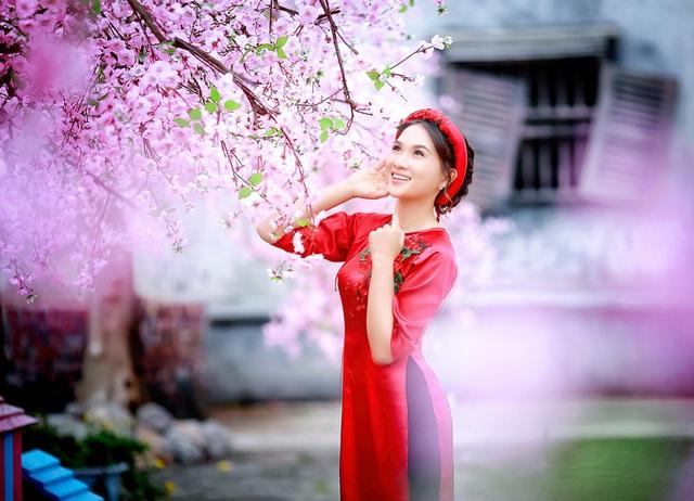 Cô gái xinh đẹp 20 tuổi có sở thích nghe nhạc đỏ bởi mỗi khi nghe những ca từ lại chạm đến tận trái tim