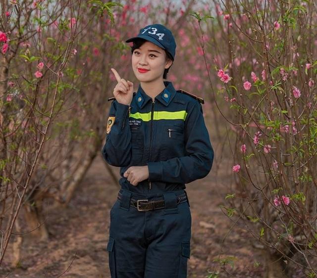 Là con gái nhưng cô hiện đang là sinh viên của Đại học Phòng Cháy Chữa Cháy.