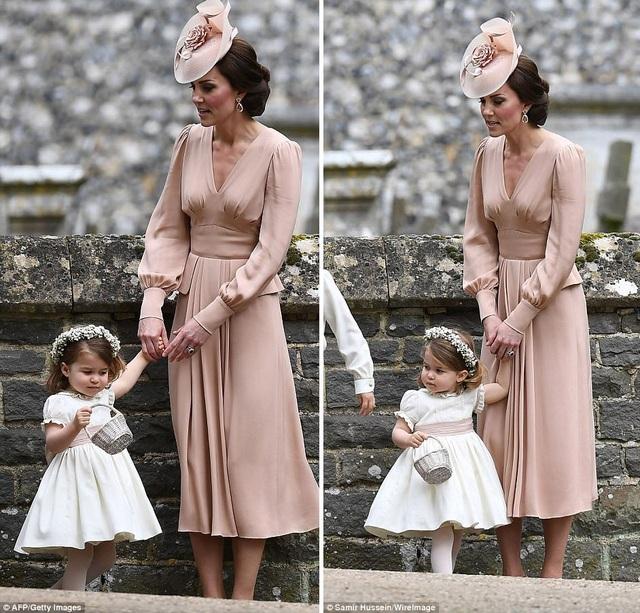 Công chúa Charlotte, 2 tuổi, đáng yêu trong ngày vui của gia đình