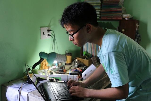 Huy chỉnh sửa các thông số cho sản phẩm Cánh tay robot cho người khuyết tật