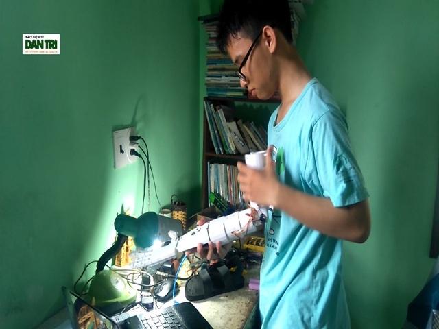 """Nam sinh """"cánh tay robot cho người khuyết tật"""" giành giải Ba cuộc thi Khoa học Kỹ thuật Quốc tế - 1"""