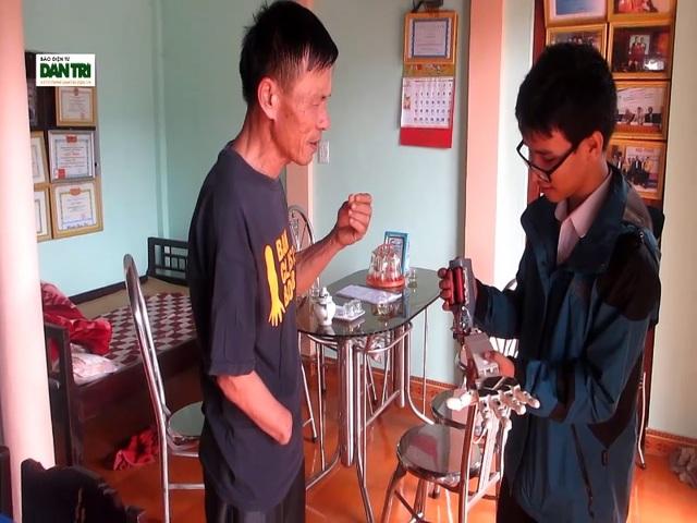 Cánh tay robot khi hoàn thiện sẽ rất hữu ích cho người bị khuyết tật đôi tay