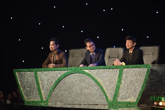 """Trong đêm chung kết, mỗi cặp thí sinh phải biểu diễn hai tiết mục, một tiết mục song ca và một tiết mục biểu diễn với sự góp mặt của huấn luyện viên. Dàn giám khảo chấm điểm trong đêm thi cuối cùng gồm nhạc sĩ Đức Huy, danh ca Thái Châu và """"ông hoàng nhạc sến"""" Ngọc Sơn."""