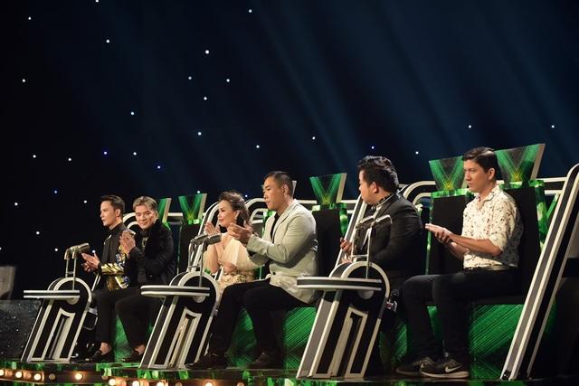 Dàn giám khảo của đêm chung kết nhận được sự đồng lòng và tin tưởng từ các huấn luyện viên Đàm Vĩnh Hưng - Vũ Quốc Việt, Cẩm Ly - Minh Vy và Quang Lê - Hoài An.