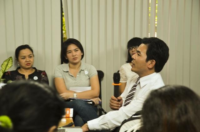 TS Nguyễn Khánh Trung chia sẻ với phụ huynh về việc nuôi dạy con để giúp trẻ phát triển năng lực bản thân