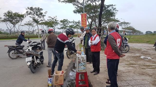 Hội Chữ thập đỏ phường Hòa Minh đứng ra quyên góp cho nạn nhân