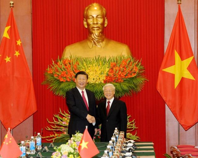 Tổng Bí thư Nguyễn Phú Trọng chào đón Tổng Bí thư - Chủ tịch Trung Quốc Tập Cận Bình thăm Việt Nam