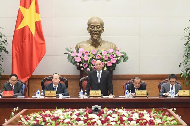 Thủ tướng Nguyễn Xuân Phúc và Chủ tịch UB TƯ MTTQ Việt Nam Nguyễn Thiện Nhân chủ trì hội nghị Hội nghị liên tịch thường niên của Chính phủ và MTTQ.